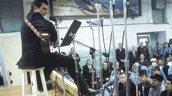 merle-haggard-and-johnny-cash-678x381