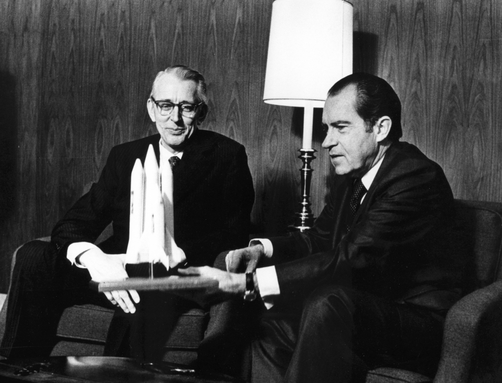 president_nixon_and_james_fletcher_discuss_the_space_shuttle_-_gpn-2002-000109