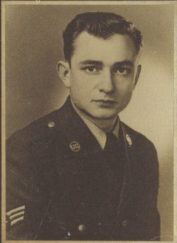 1-Johnny-Cash-Air-Force-1950-54-Morse-code-intercept-operator-for-Soviet-Army-transmissions-Staff-Sergeant-Singer