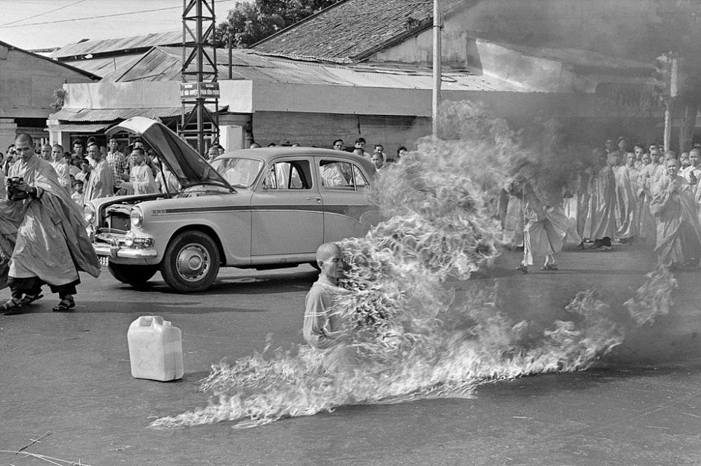 1024px-Thích_Quảng_Đức_self-immolation